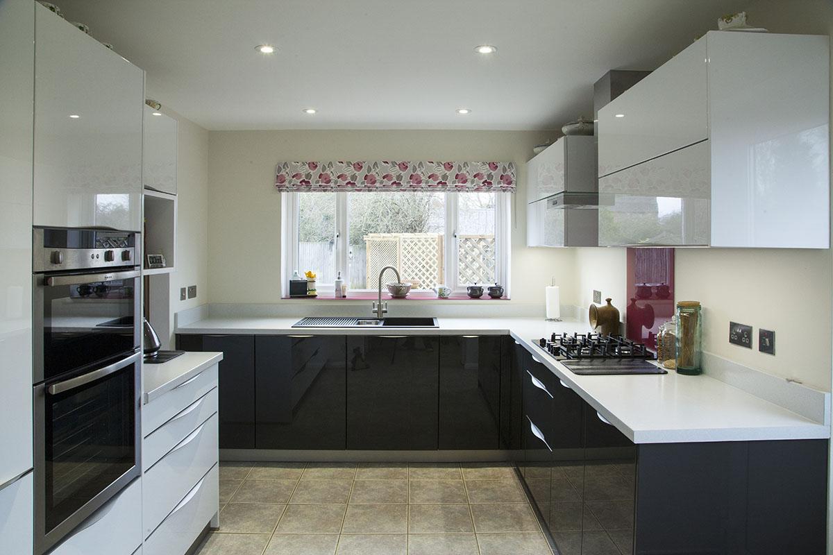 appliances_loughton-beryl-2_gala_door_lava_black_crystal_white_1200x800